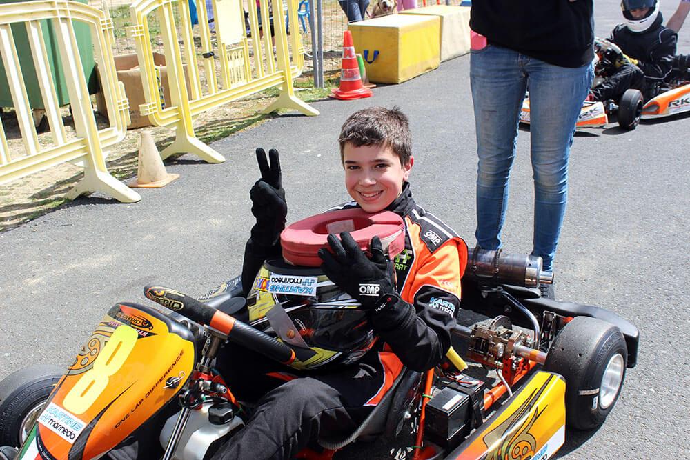 adrian-factoria-de-pilotos-karting-marineda