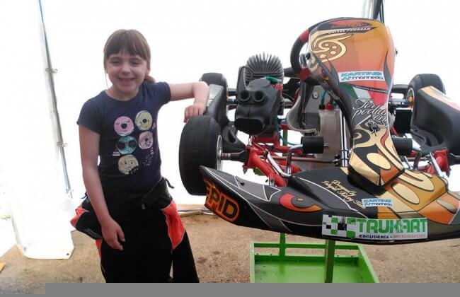 sara-factoria-de-pilotos-karting-marineda
